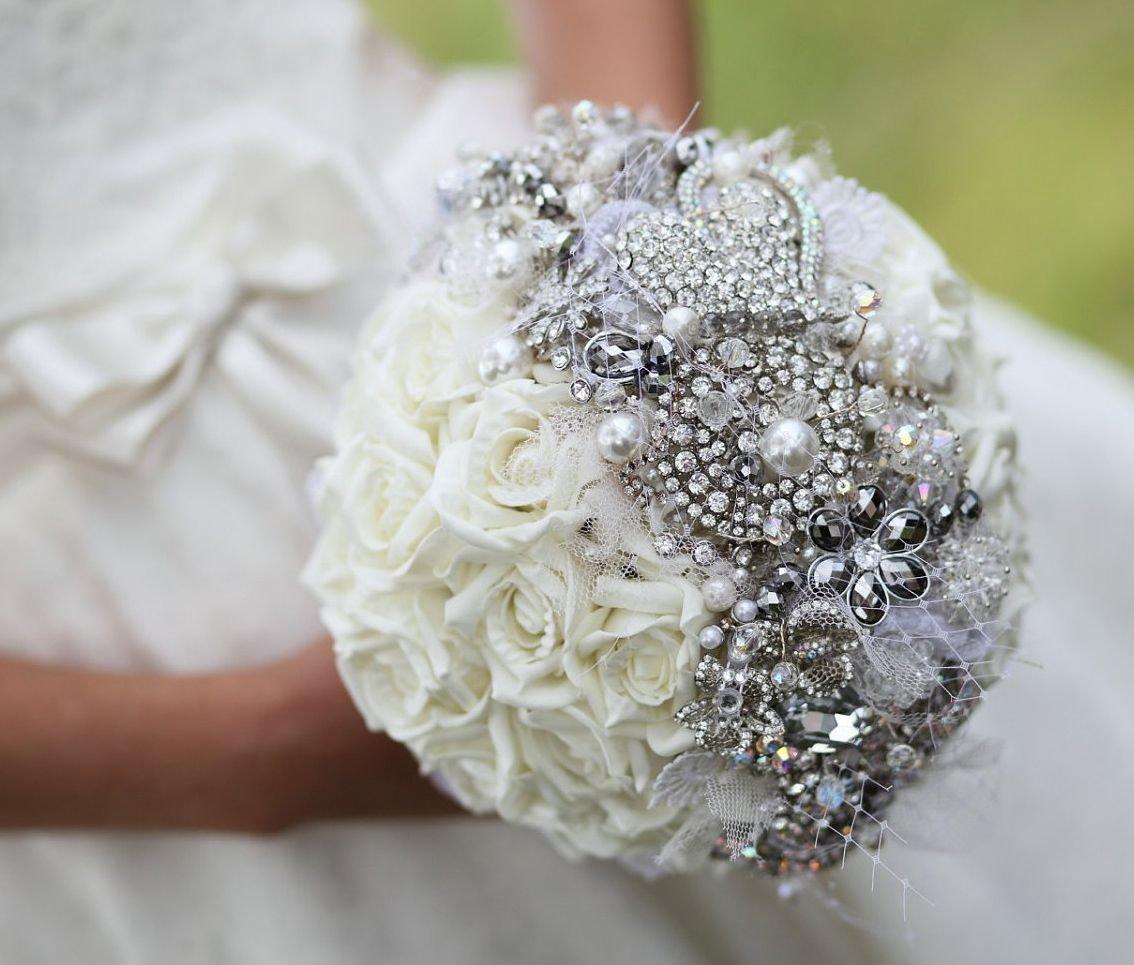 Самаре, очень красивый свадебный букет роз