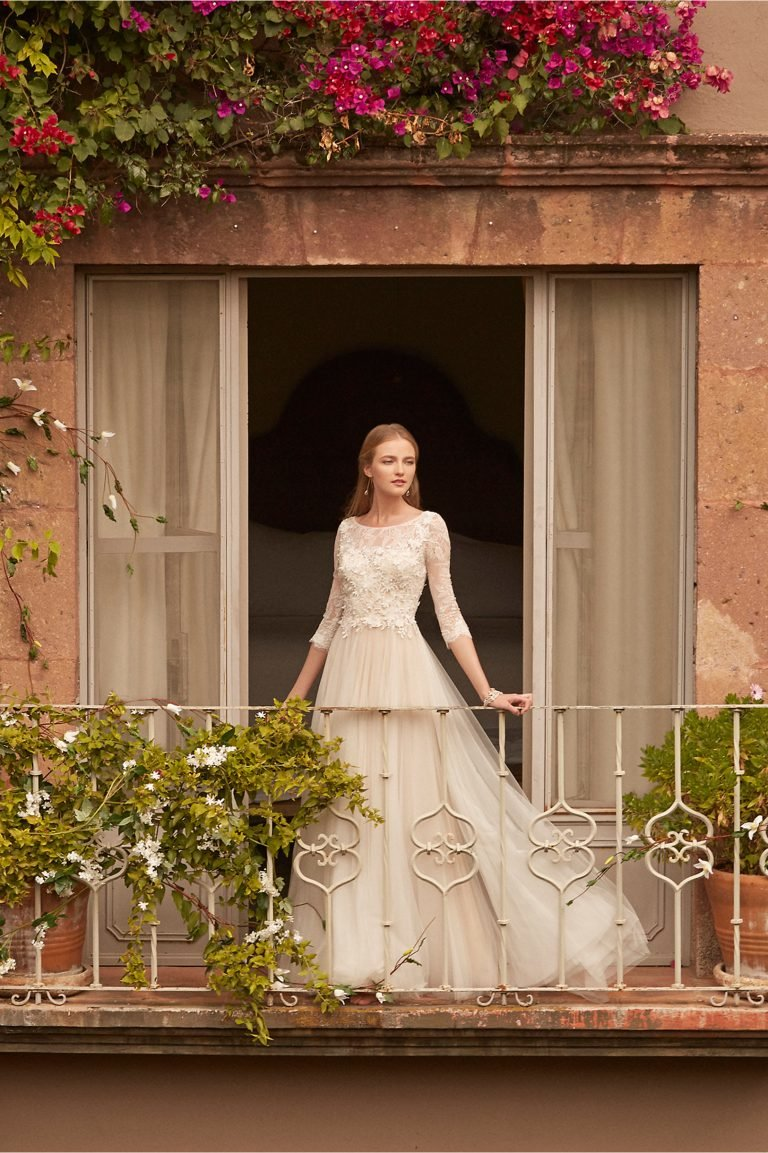Каждая девушка мечтает о том, чтобы ее свадьба была поистине незабываемым мероприятием..Образ невесты  в трендах 2017 года