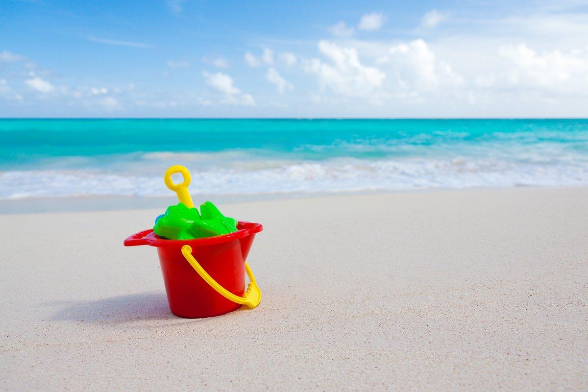 голубая картинка игрушка на берегу моря было принято решение