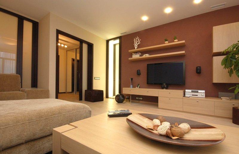 интерьер гостиной в теплых тонах