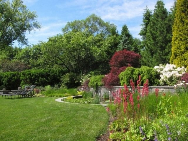 В любом стиле ландшафтного дизайна есть те элементы, без которых садовый проект не удастся.