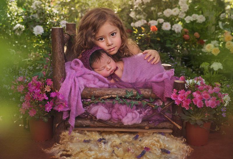 Детство — время золотое, ест и пьет и спит в покое.