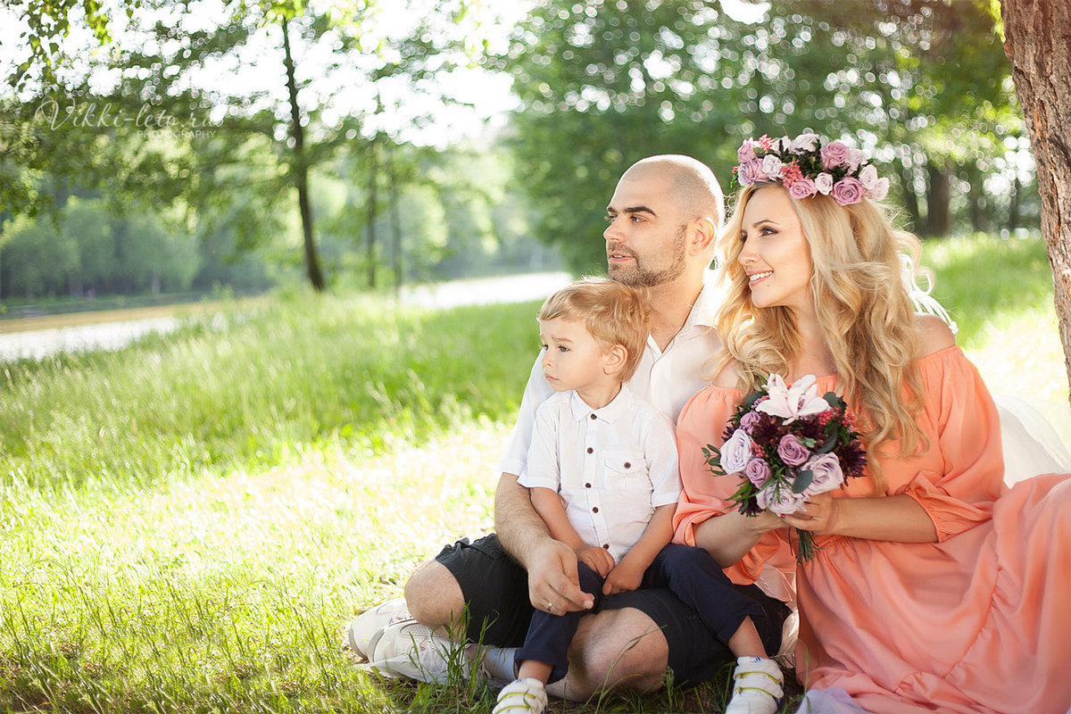 фото семьи на природе весной самом центре территории