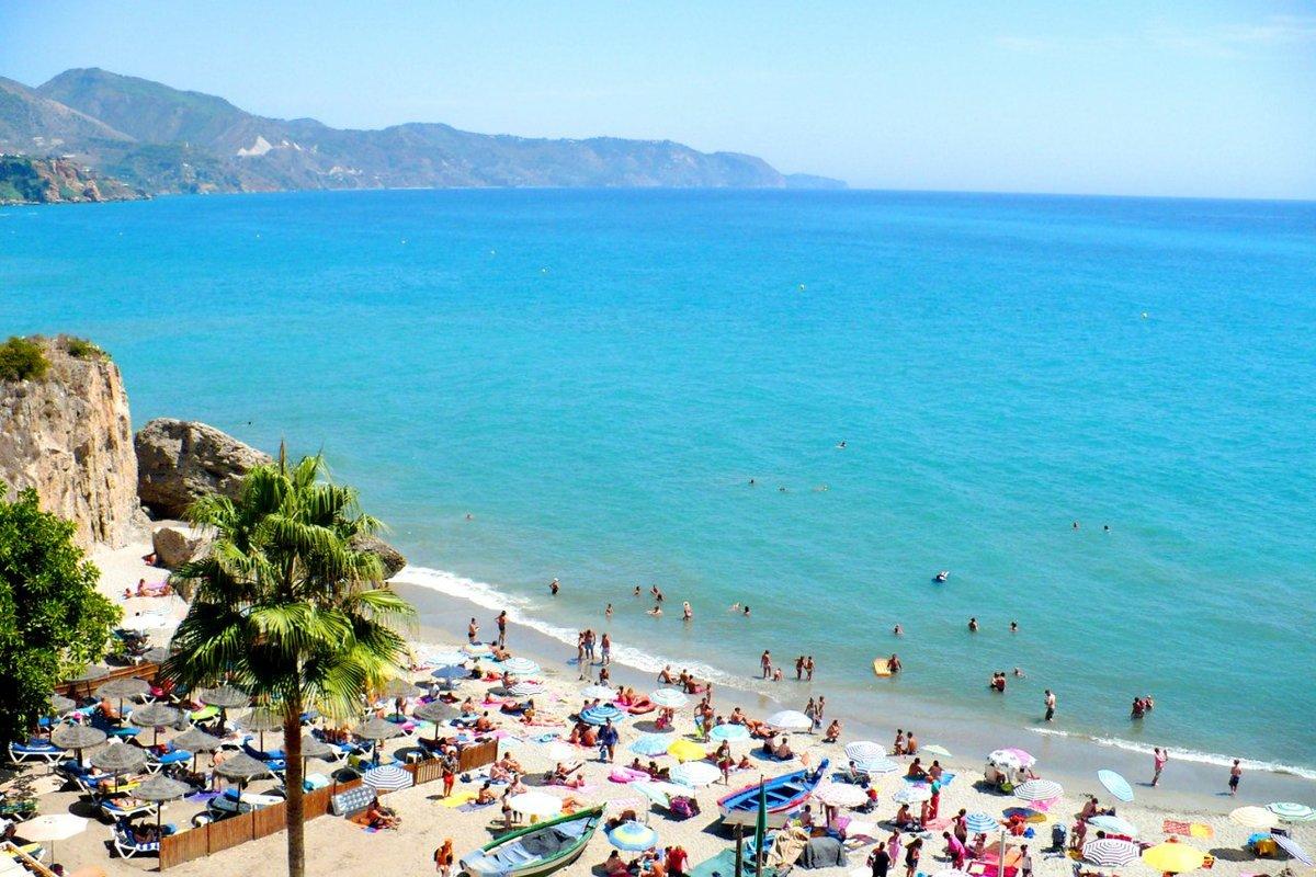Фото на пляже в испании, На испанском пляже это делать можно (фото) 14 фотография
