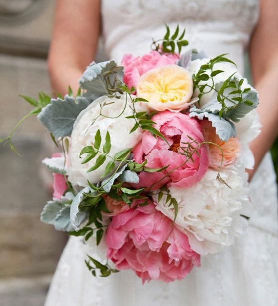 В этой подборке 100 уникальных и самых красивых свадебных букетов -  фото.