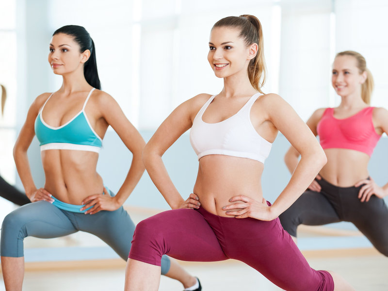 Телочки занимаются фитнесом