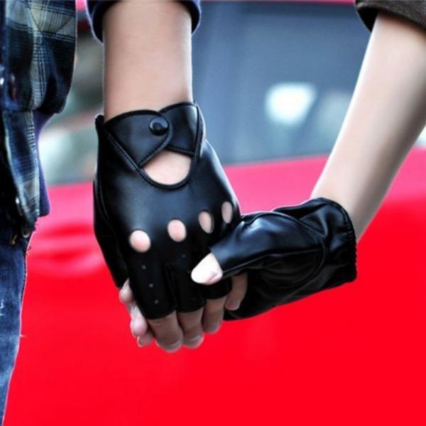 Перчатки без пальцев это сексуально