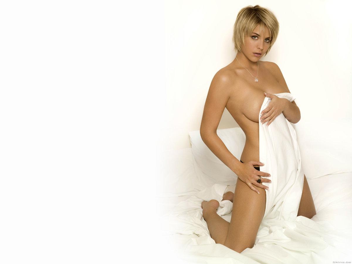 erotic-gemma-atkinson-nude-topless-amateur