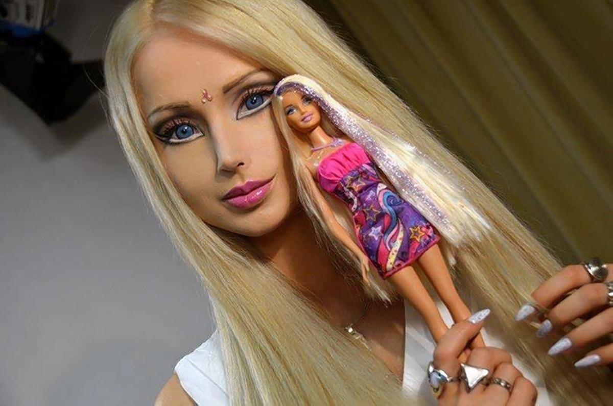 девушка похожа на куколку - 10