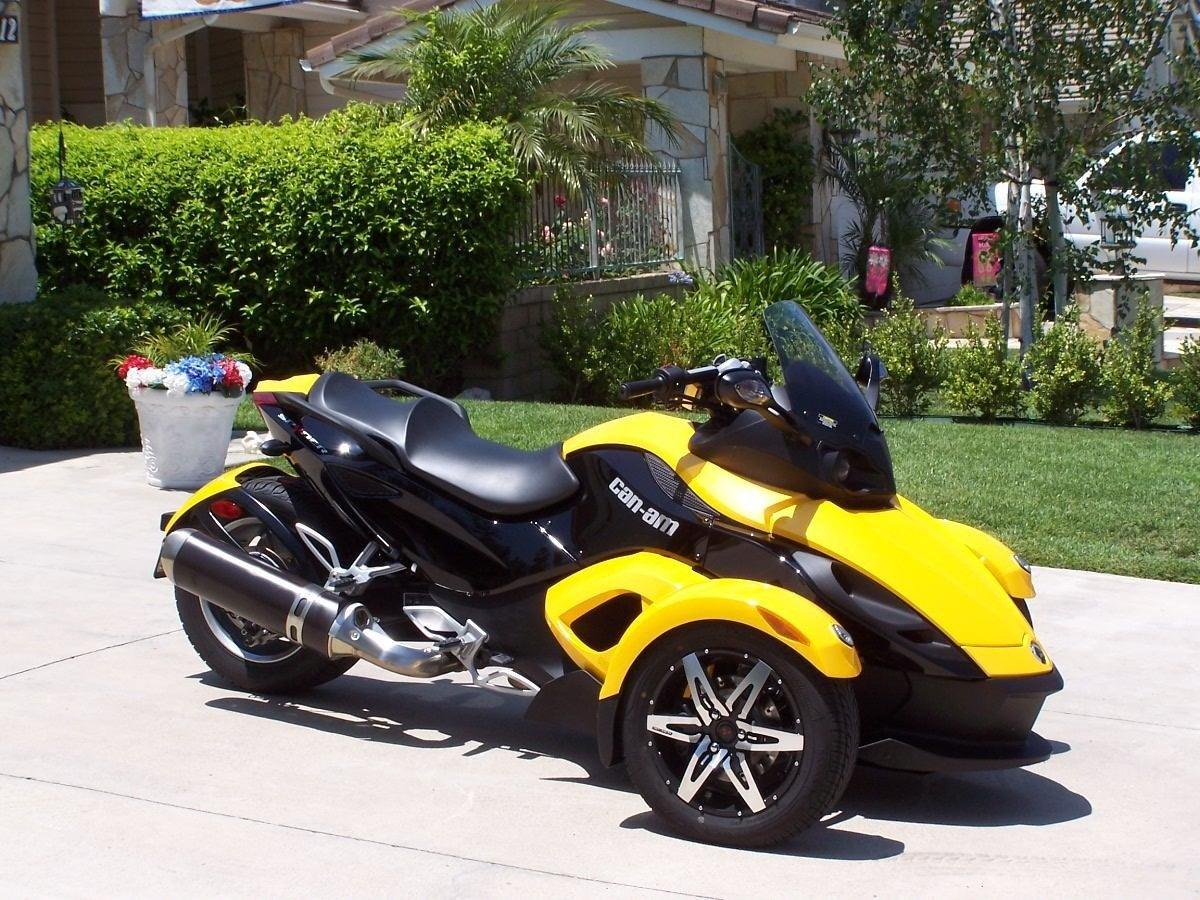 мотоцикл с двумя колесами спереди фото часто