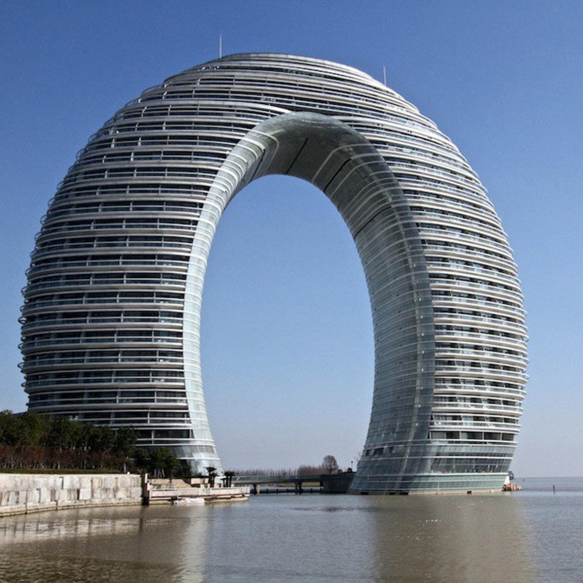трудно фотография интересного здания или архитектуры всегда