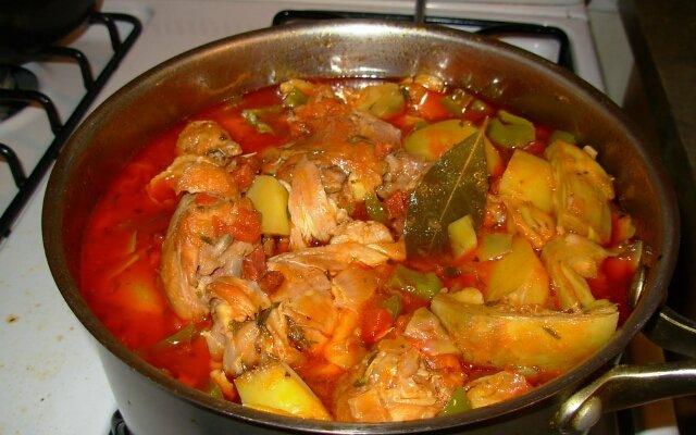 Картофель с курицей(окорочка или бёдрышки)