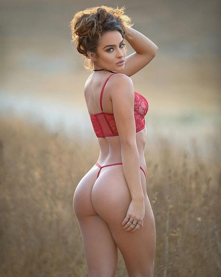 Порно фото голых девушек с огромными задницами