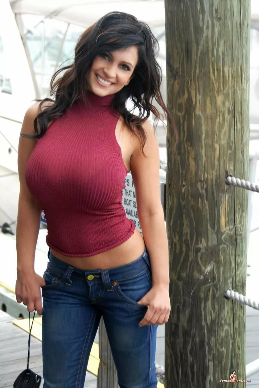 movies-big-tits-in-tight-tops-pictures