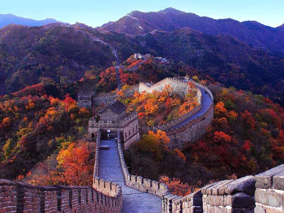 Дожившие до наших времен остатки Стены строились преимущественно во времена династии Мин (XIV-XVII века)