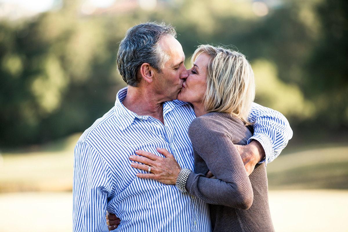 Пожилая пара поменялась партнерами с молодой погружаются