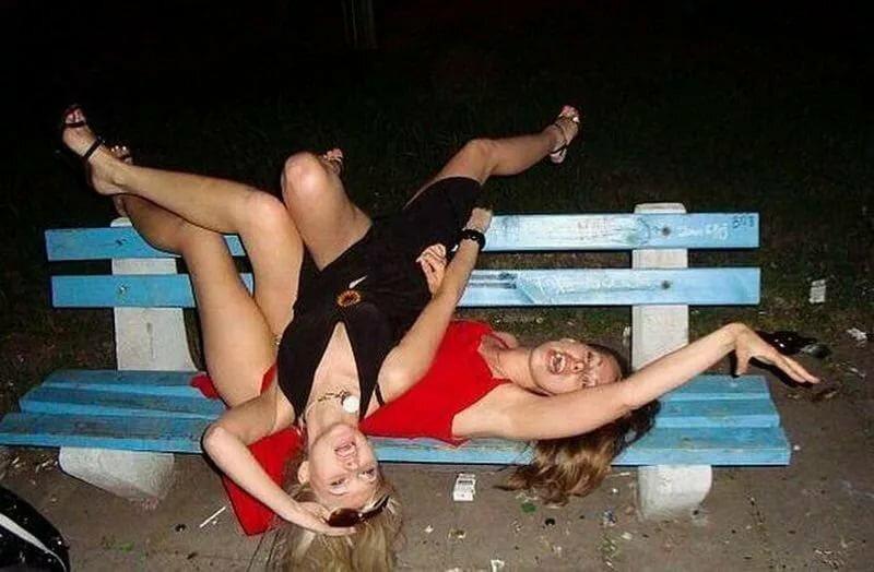 Пьяная девушка картинка прикольная