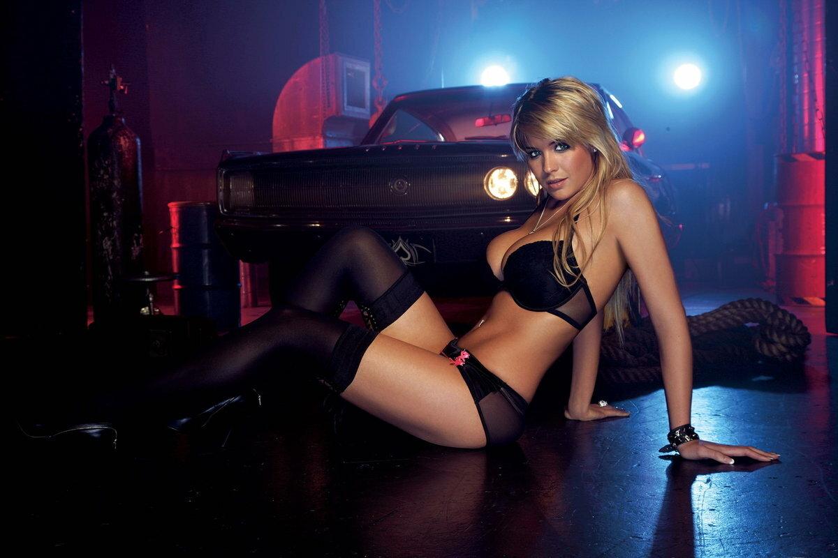 sexy-blonde-machine