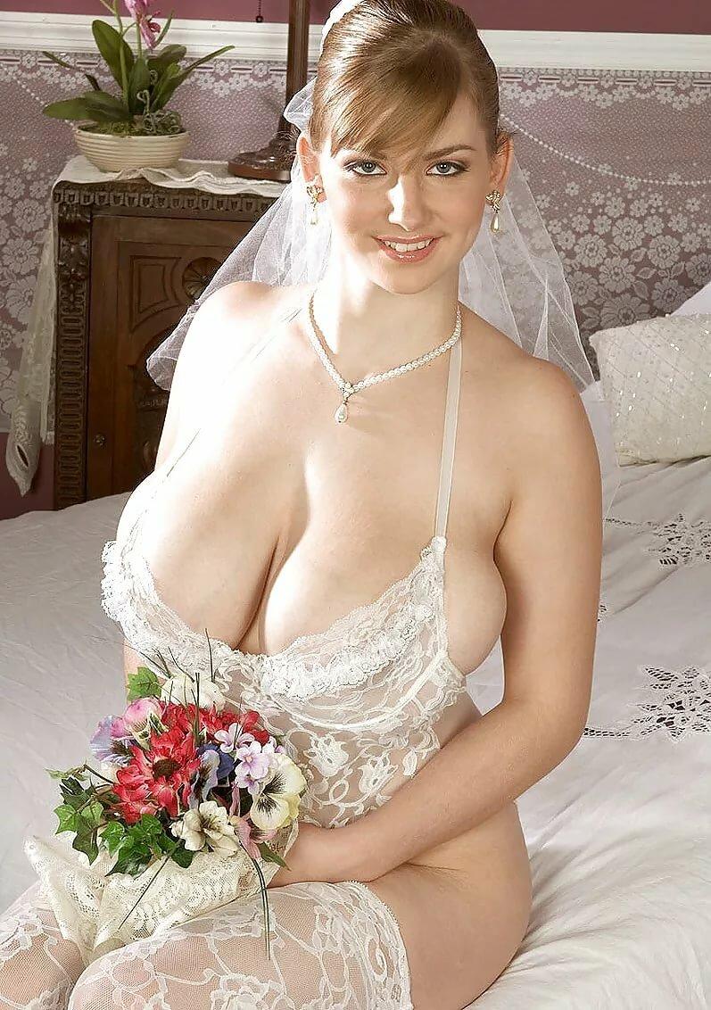 большие сиськи у невесты закрылись кое-где