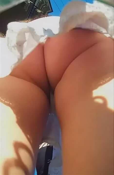 подглядывание под юбки в питере - 6