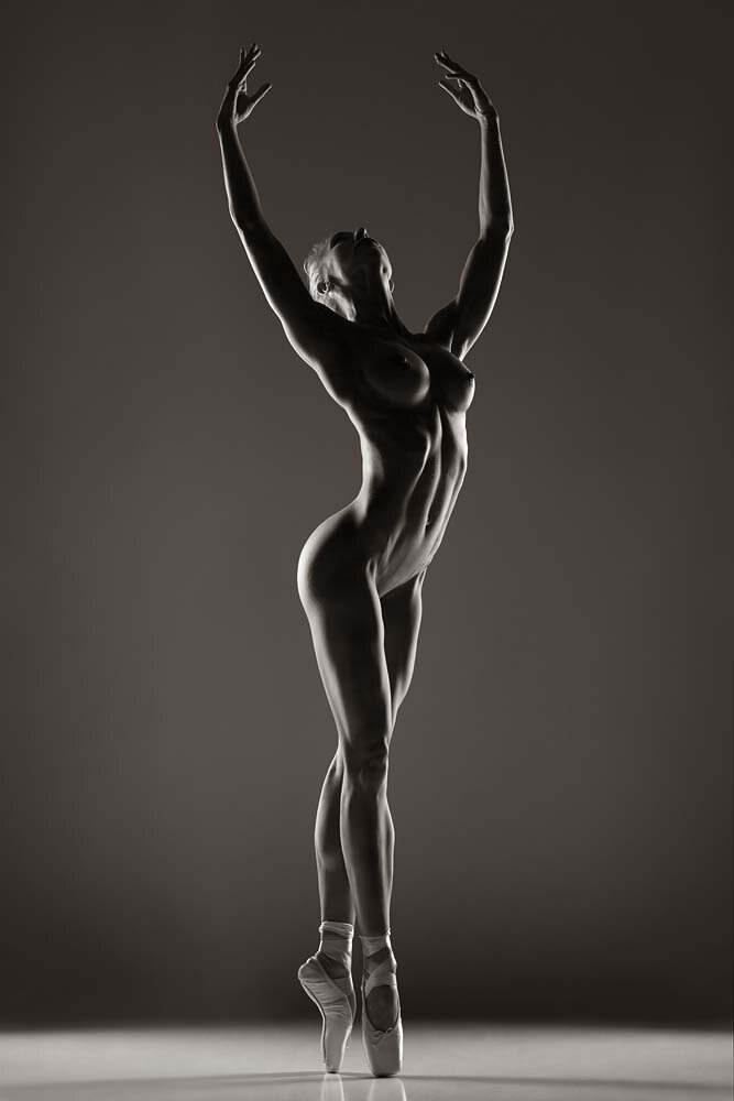 Голая танцовщица фото #14