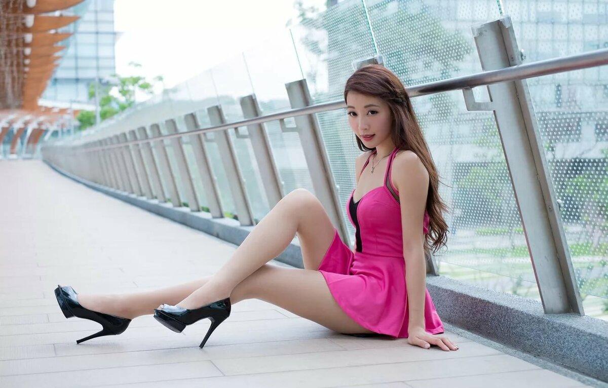 японочки показывают ножки фото высокого качества проснулся