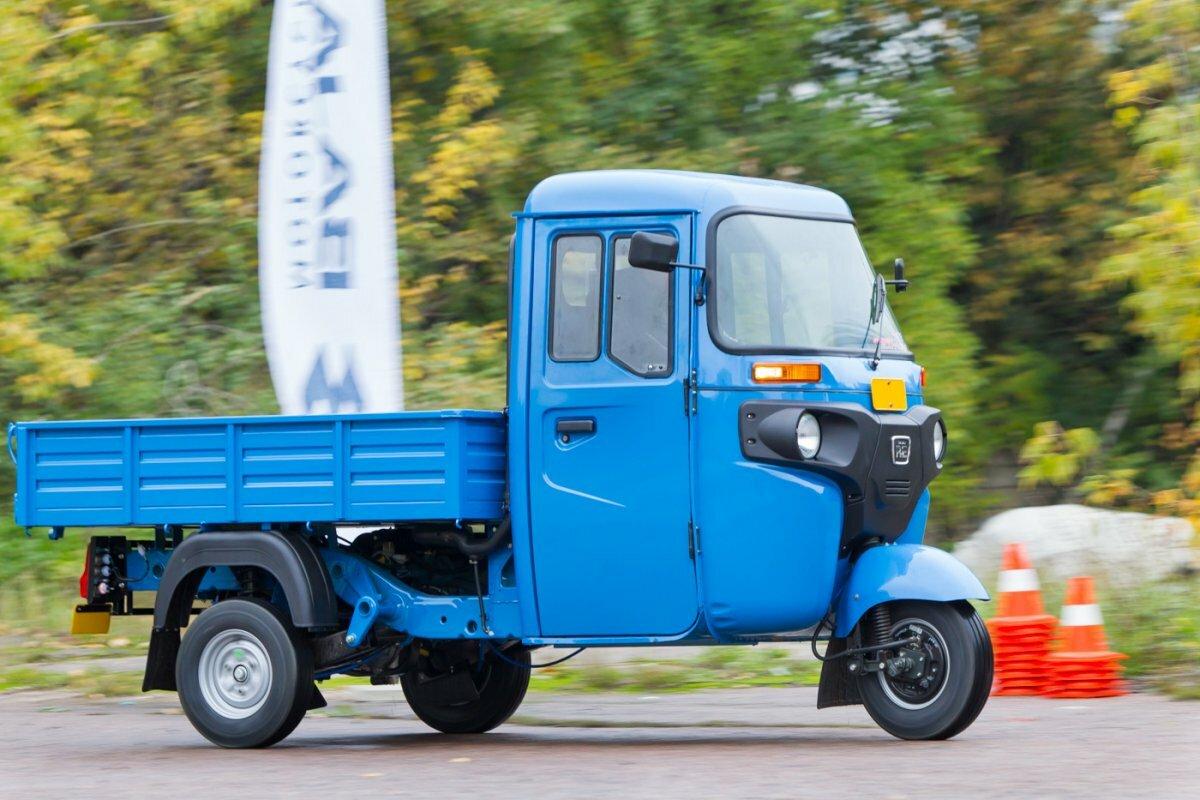 Грузовой мотороллер с кабиной BAJAJ Maxima