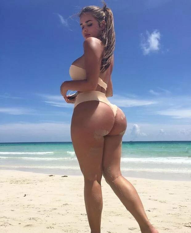 Большая попа в пляже, пухленькие мамочки и их страстное соло