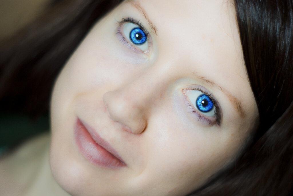 синий цвет глаз картинки сестра учит