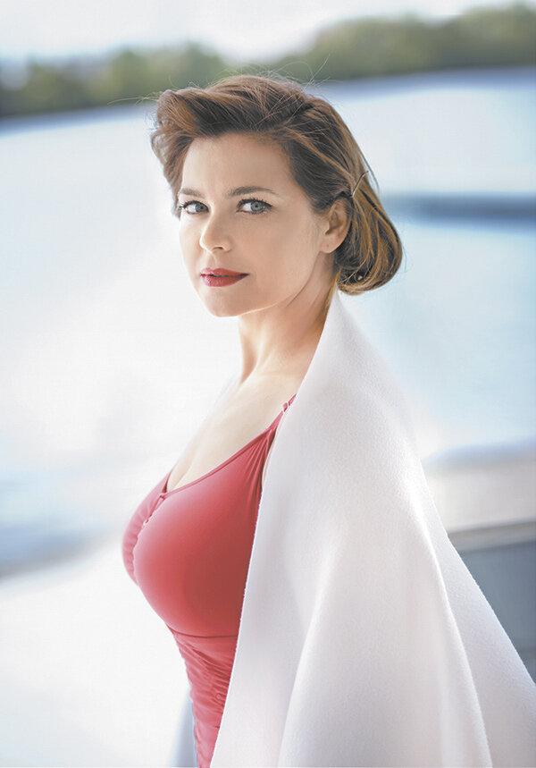 несем ответственности наши российские грудастые актрисы является великолепная блондинка