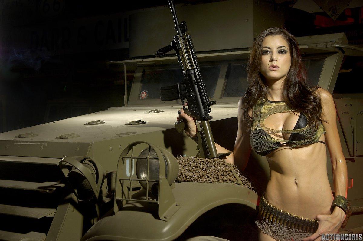 naked-gun-car-bbw-boob-older