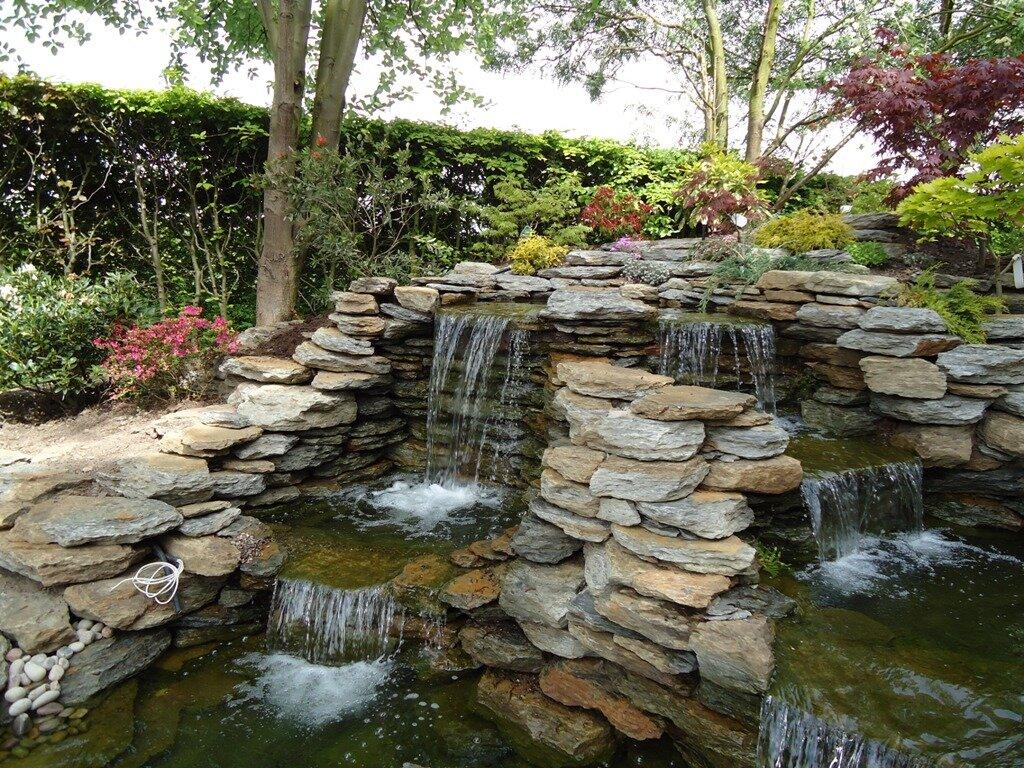 фонтаны и водопады на даче фото всего этому