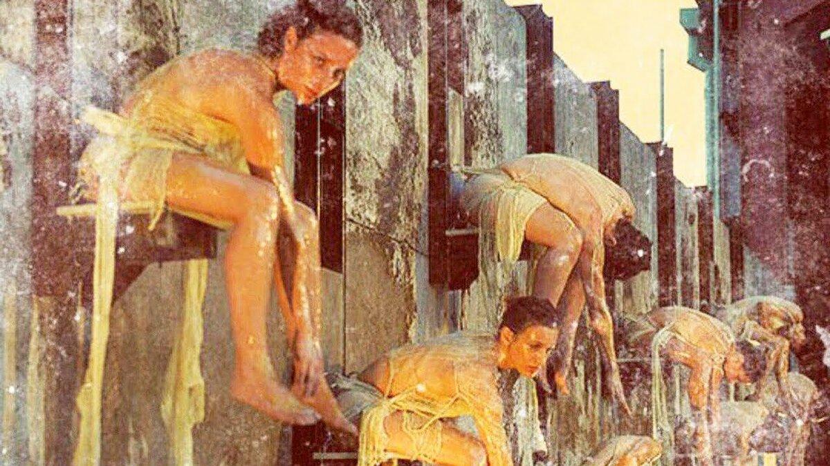 Женщина мучает женщину, фото анал секс со спермой в попе