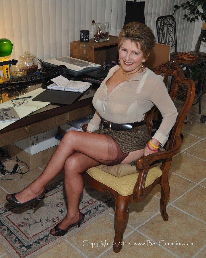 Nude mature female pics, interracial home made porn