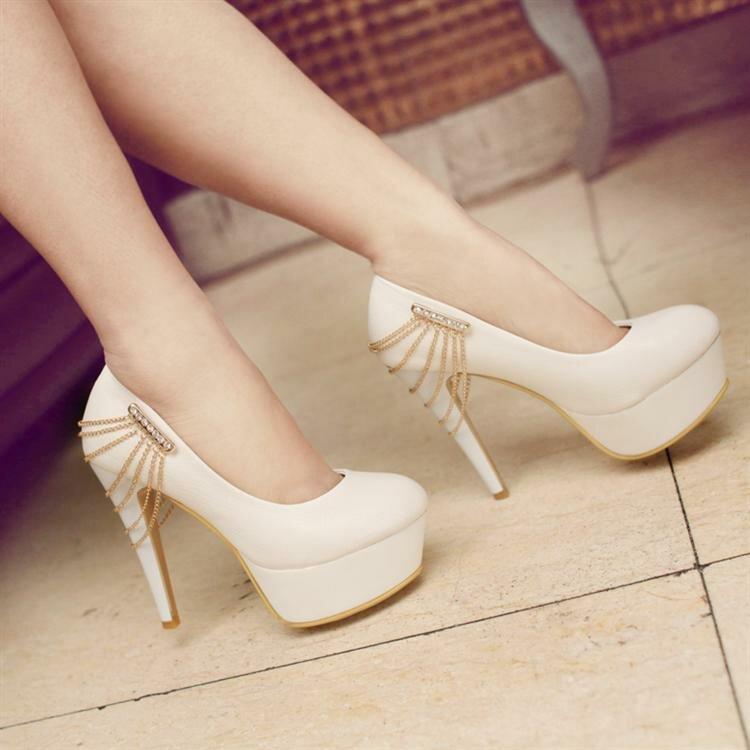 f025ee017 ... Красивые туфли (64 фото): женские самые красивые туфли в мире, как  украсить