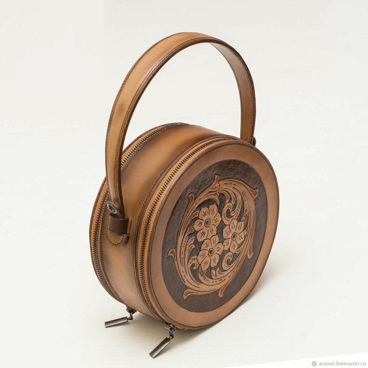 ce80ad373e2b ... Маленькая круглая сумка - купить или заказать в интернет-магазине на  Ярмарке Мастеров | Маленькая