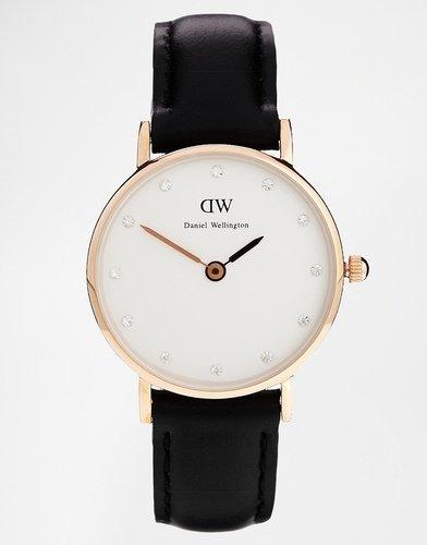 На выбор предложены идеально круглые наручные часы с кожаным или нейлоновым ремешком с яркими полосами в духе британского военно-морского флота.
