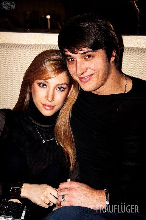 Фото юлии чиклиевой жены станислава бондаренко