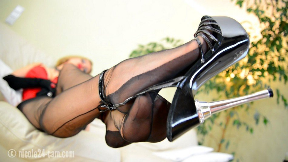 tiny-tits-shoeplay-highheel-pumps-stockings-sex-video