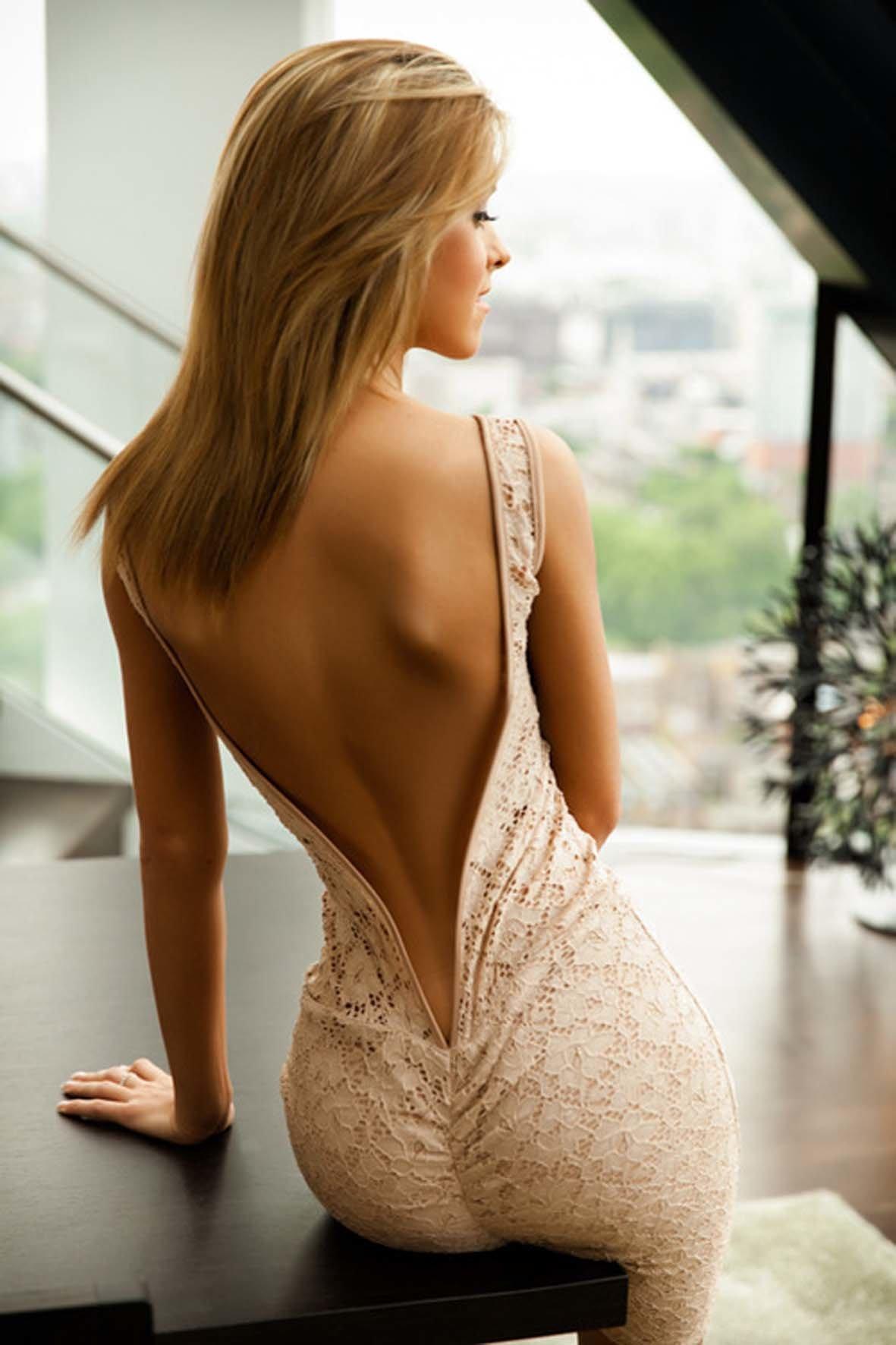 фото девушек в платье со спины эротичные точно