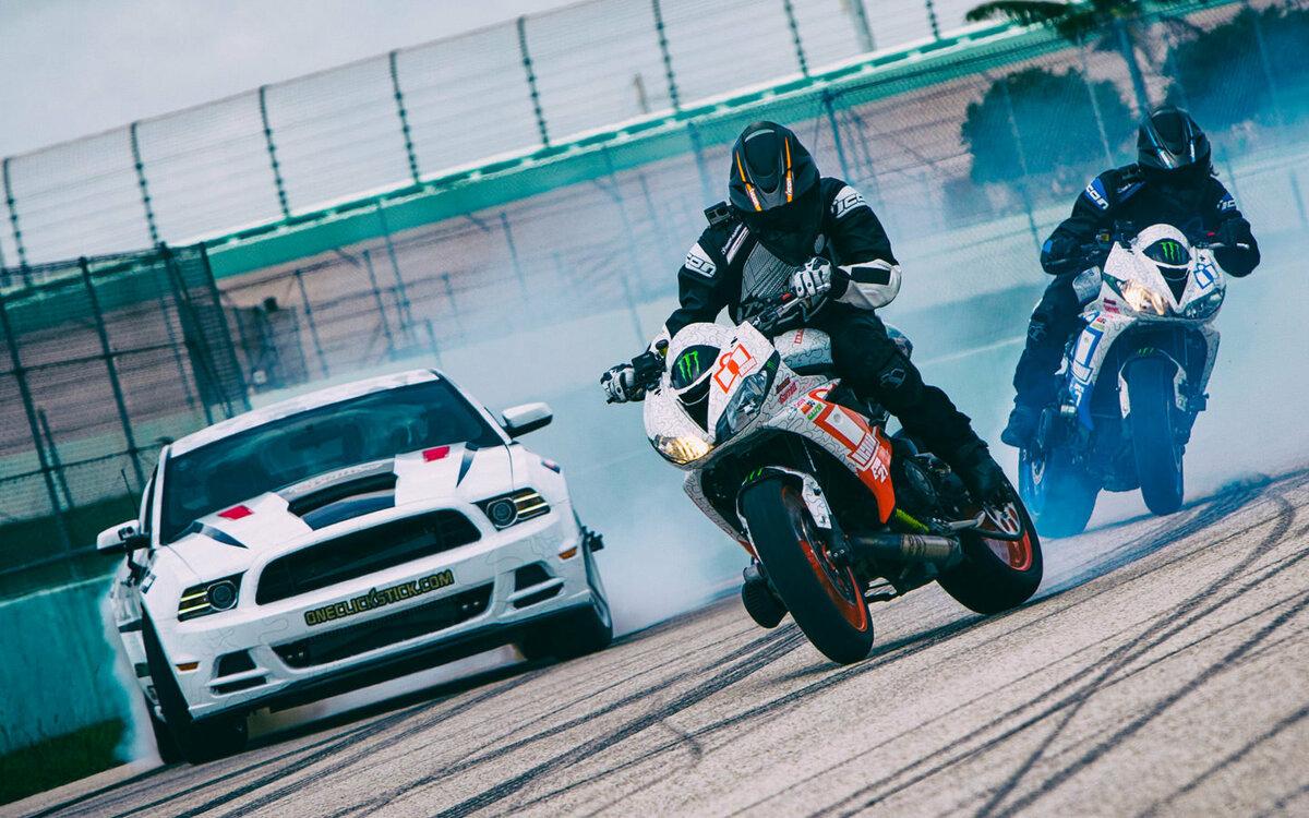 картинки спортивных мотоциклов с пацанами народ обратил внимание