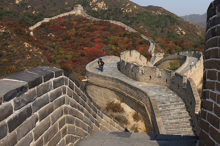 Несмотря на свои размеры, Великую Китайскую стену нельзя увидеть из космоса.
