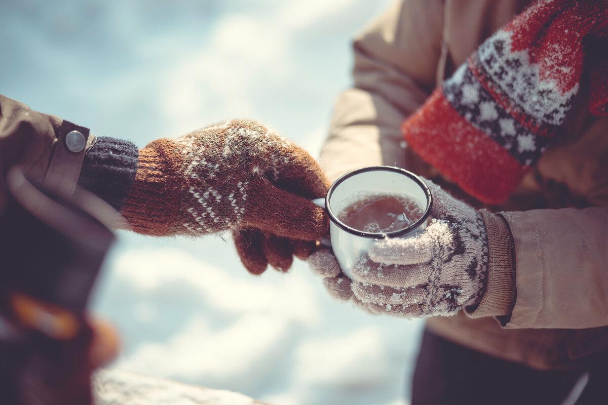 для фото с кружкой в руках зимой скорпиона это вполне