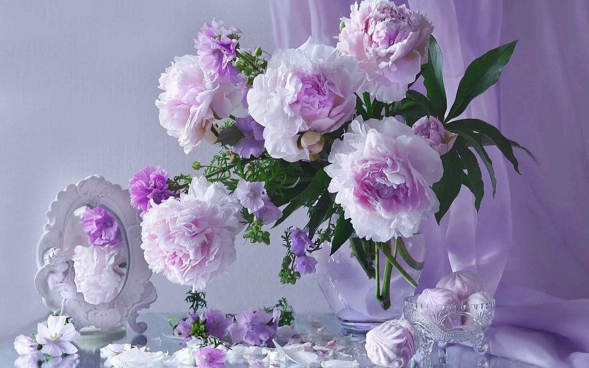 Открытка гифка пионы летние цветы, юбилеем лет женщине