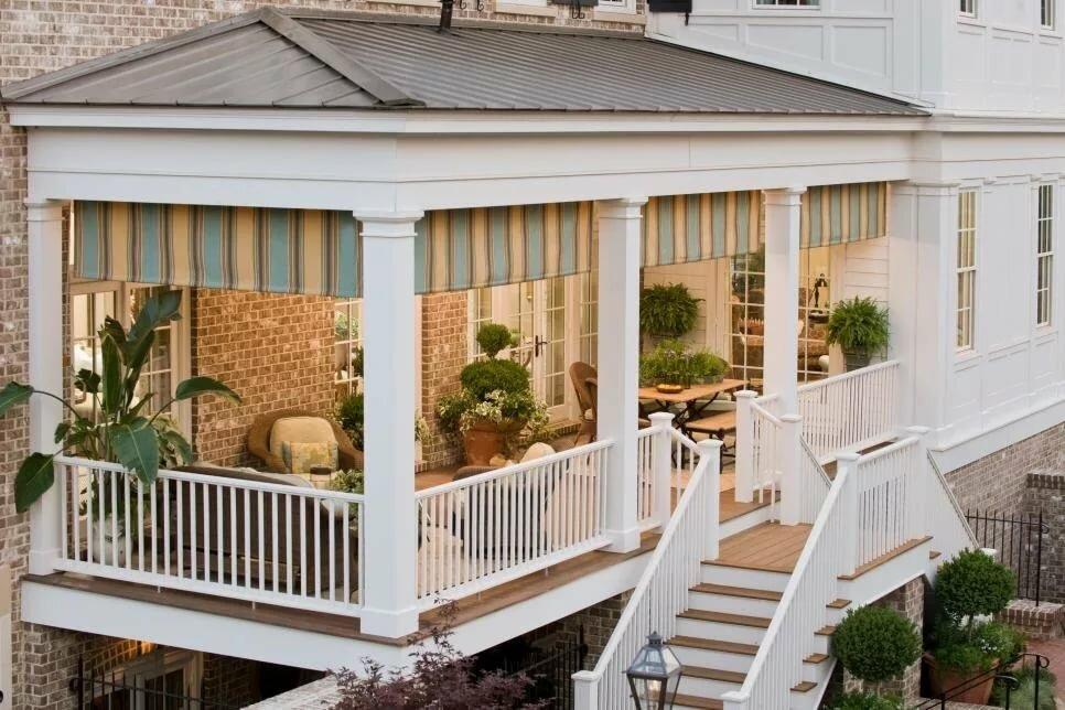 Открытая терраса с балконом фото