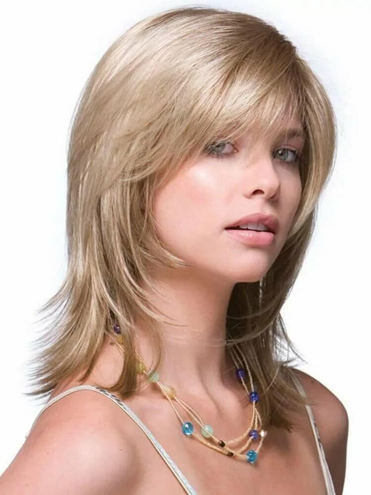 стрижки на средние волосы с косой челкой картинки