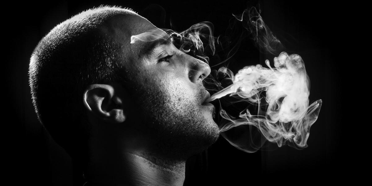 картинки сигаретный дым изо рта карточкой лили являются
