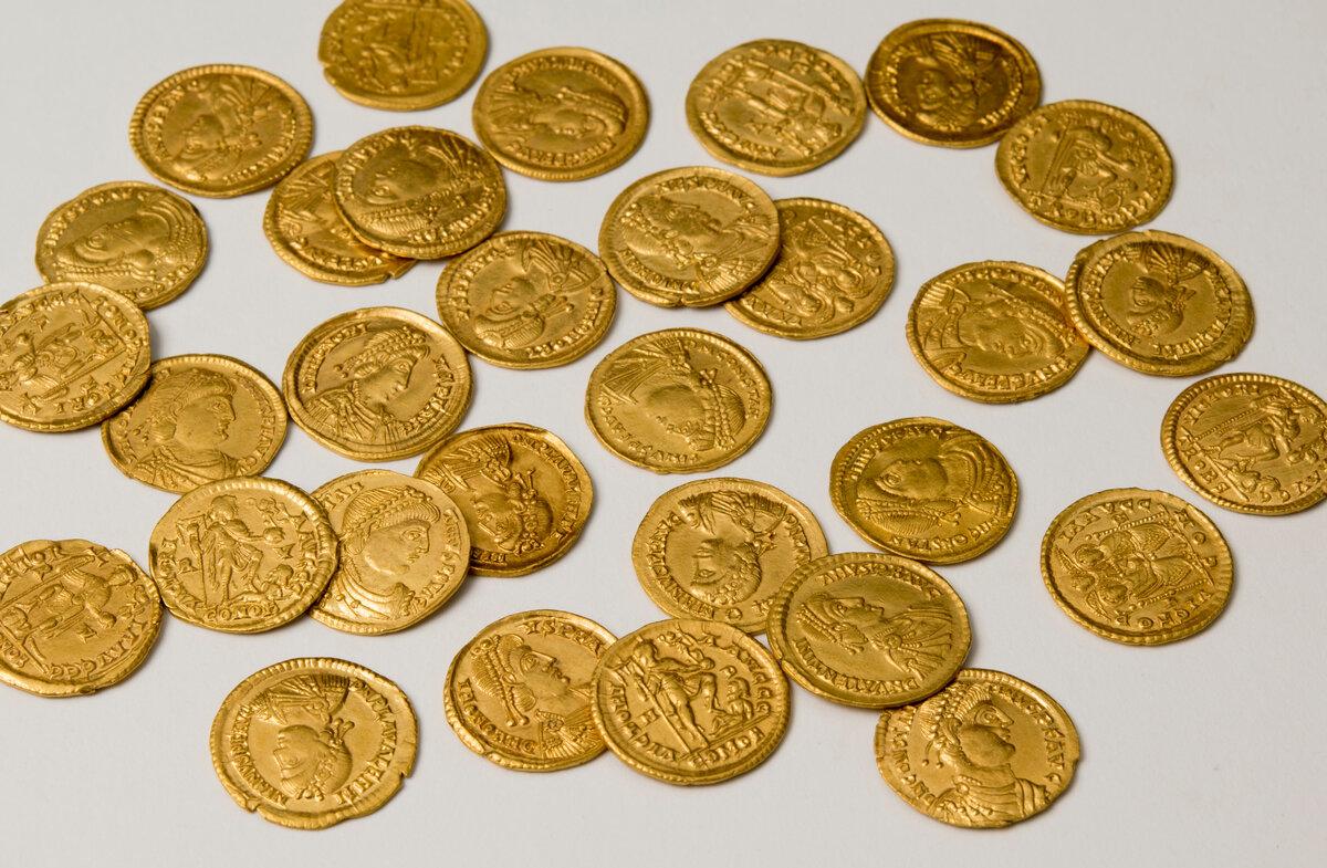 самые древние золотые монеты фото культура