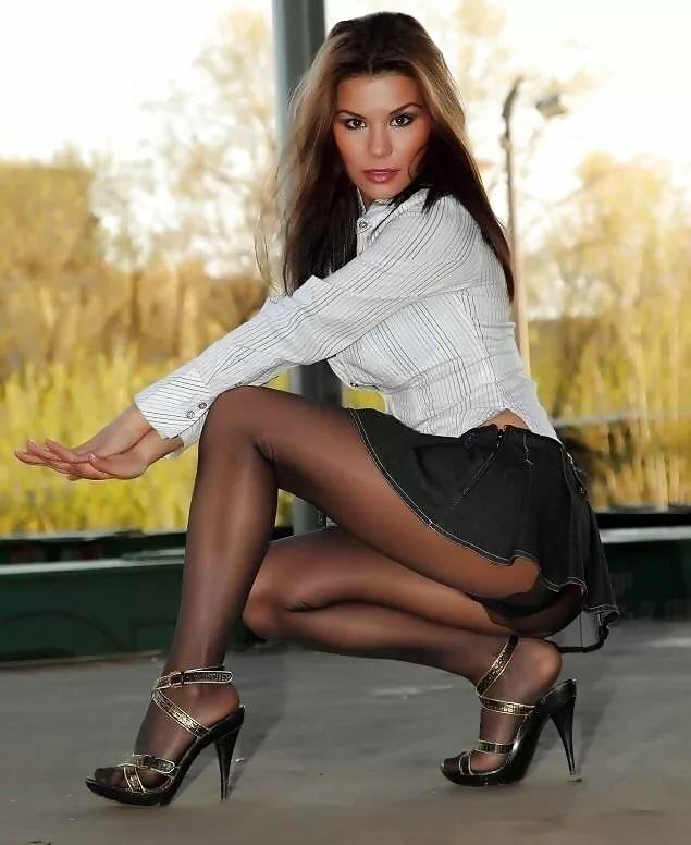 pantyhose-high-heels-skirts-jimmymom-porn