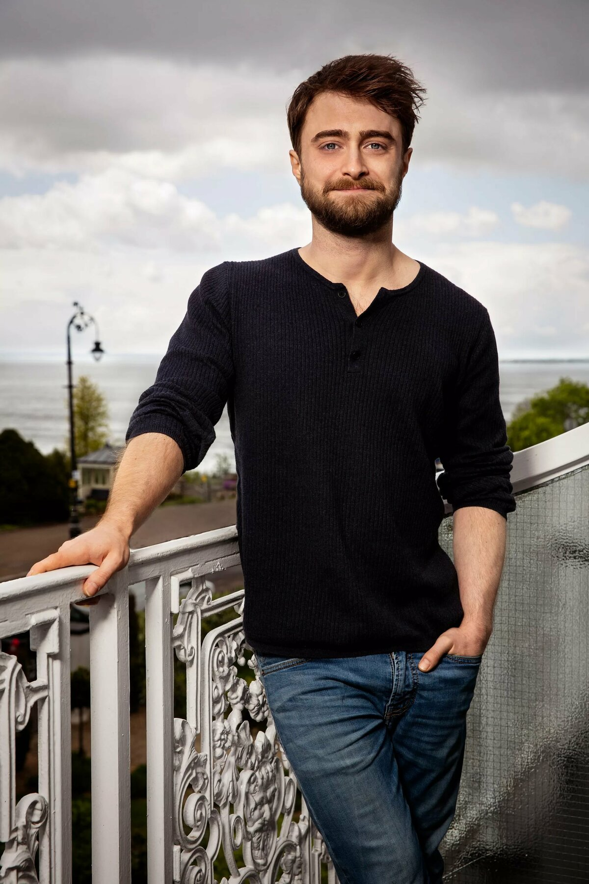 daniel-radcliffe-with-his-shirt-off